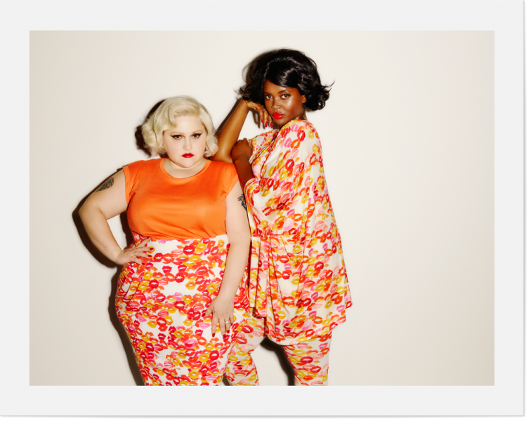 Beth Ditto -  Lola Skirt, Kim Oversize Tee with the Summerweight Leggings