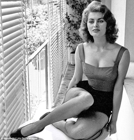 Sofia Loren fishnet