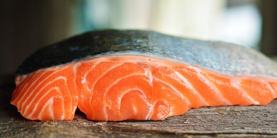 salmone cura capelli