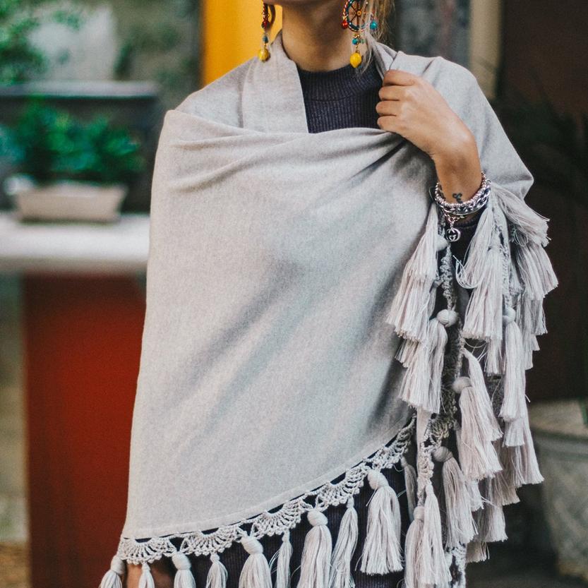 sciarpone con nappe di bellino al white milano